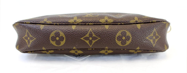 LOUIS VUITTON Monogram Pochette Accessoires Long Shoulder Pouch
