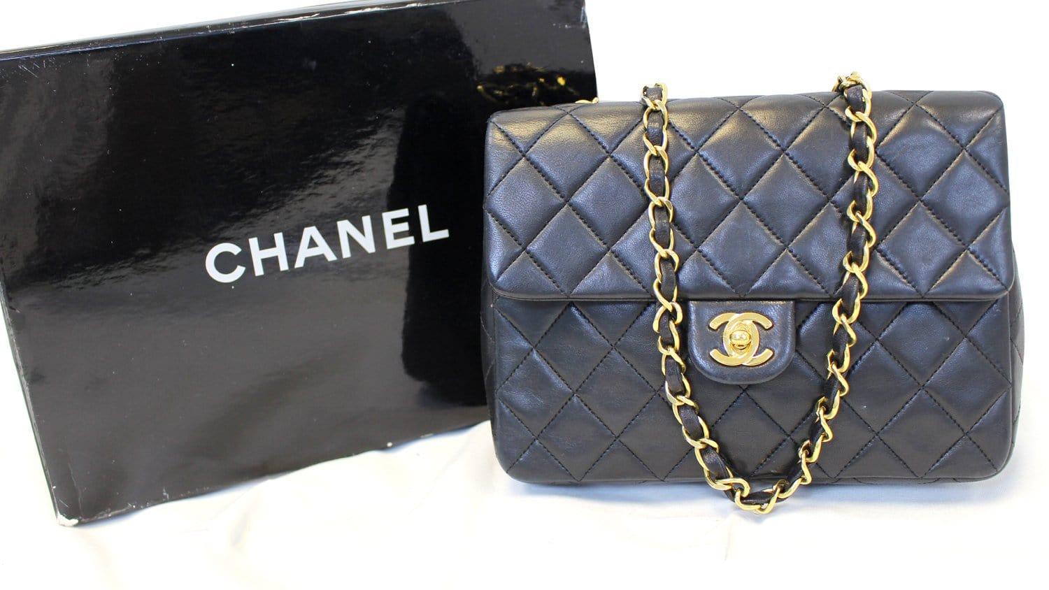 424a965e8ffc97 CHANEL Black Leather CC Classic Flap Shoulder Crossbody Bag