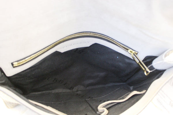 Burberry Clutch Heritage Sonnet Grain Leather - inside view