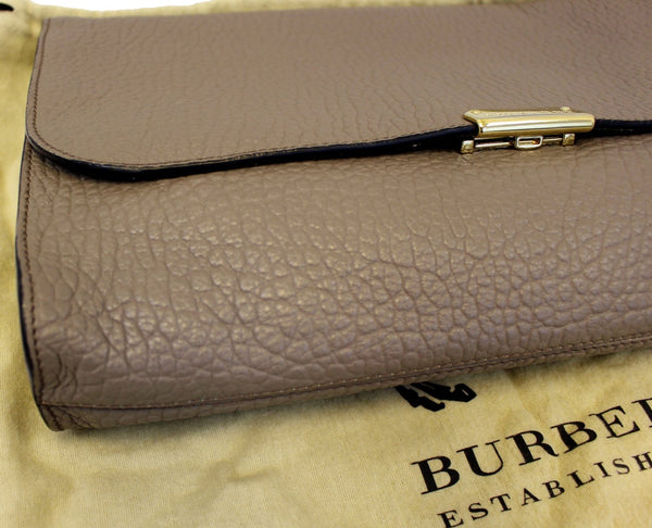 Burberry Clutch Heritage Sonnet Grain Leather for women