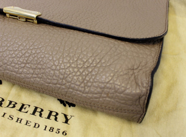 BURBERRY Heritage Sonnet Grain Leather Large Clutch