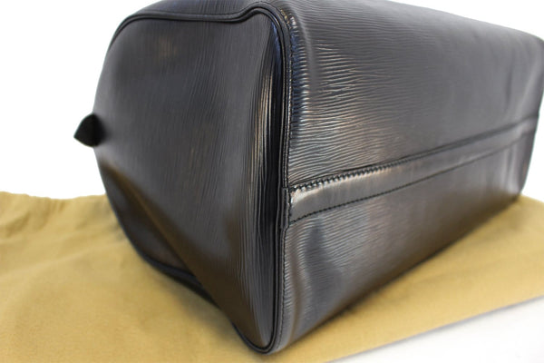 Authentic LOUIS VUITTON Epi Leather Black Speedy 40 Handbag TT1437