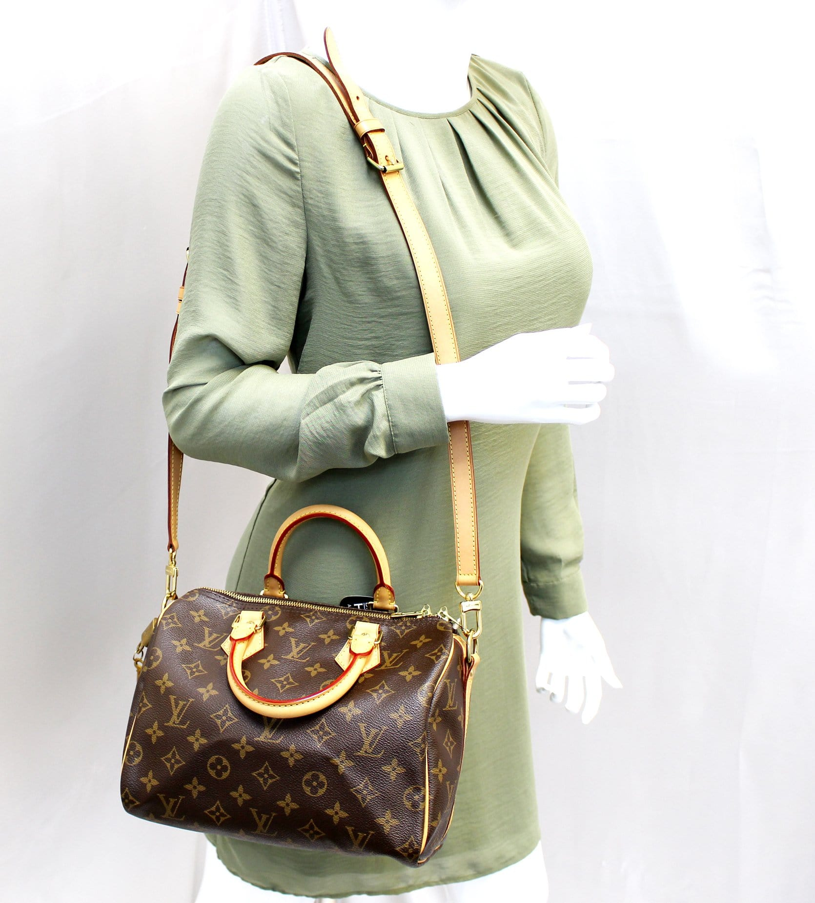 44be617cefcf Authentic LOUIS VUITTON Monogram Speedy 25 Bandouliere Satchel Bag TT1
