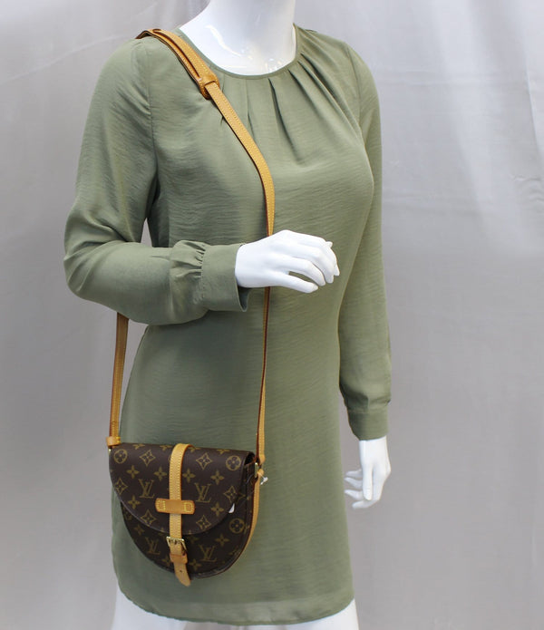Authentic LOUIS VUITTON Monogram Canvas Chantilly PM Crossbody E3660