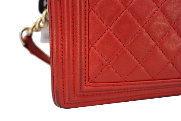 CHANEL Boy Bag - Red Glazed Quilted Leather Large - soft corner