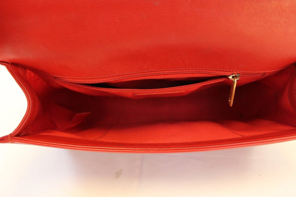 CHANEL Boy Bag - Red Glazed Quilted Leather Large - inside look