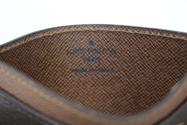 Authentic LOUIS VUITTON Monogram Canvas Card Case E3472