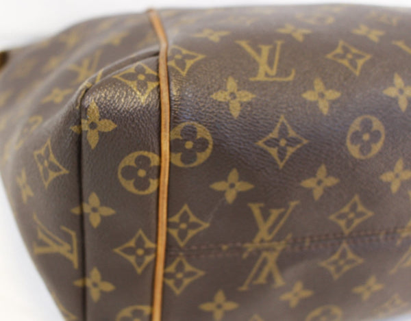 LOUIS VUITTON Monogram Canvas Totally MM Tote Bag
