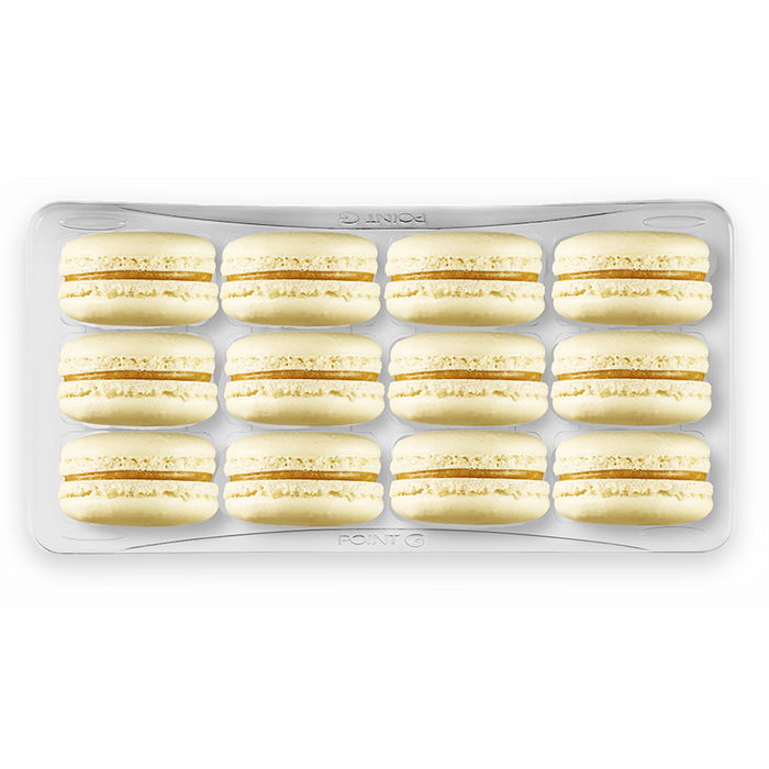 Box of 12 identical macarons