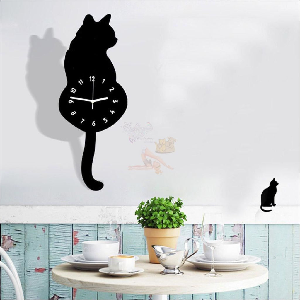 Adorable Cat Tail Swinging Wall Hanging Clock Black Right
