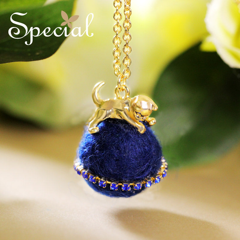 Special Gold Plated Cute Kitty Ball Necklace