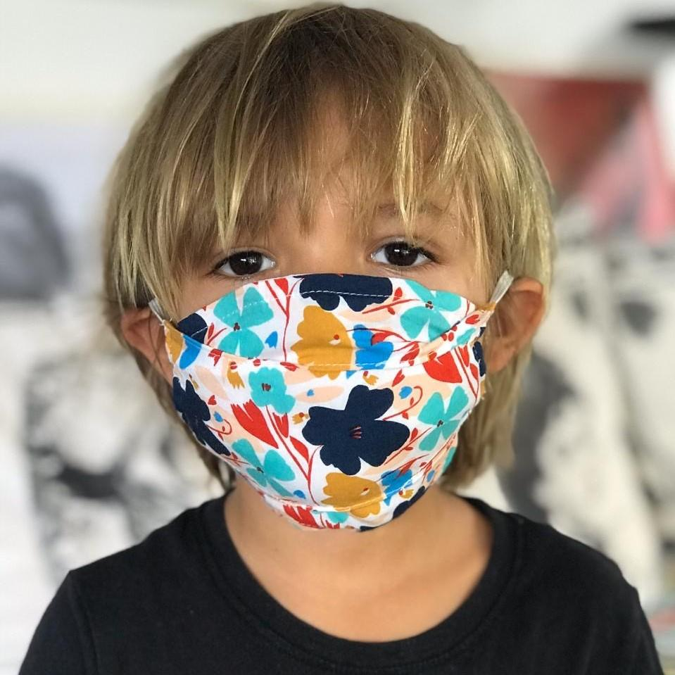 Kids' Georgia Elastic Face Mask - Love Is Project
