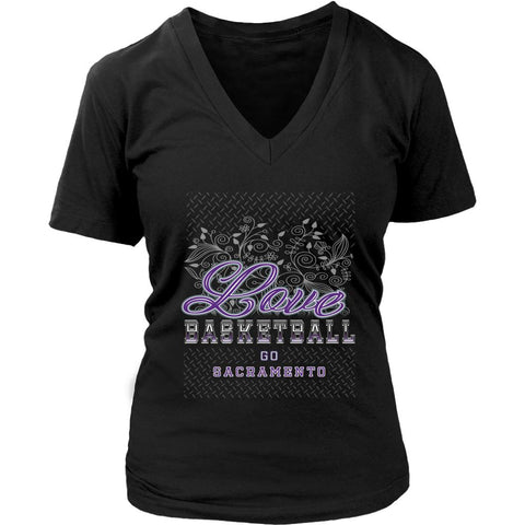 Love Basketball Go Sacramento Fan Gifts Diamond Plate Awesome V-Neck-NeatFind.net