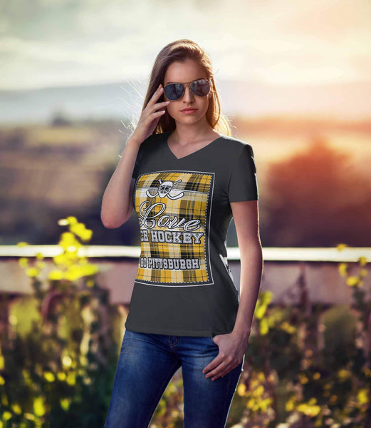 Love Hockey Go Pittsburgh Fan Gifts Checkered Plaid V-Neck T-Shirts For Women-NeatFind.net