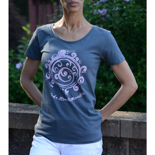 Gratitude Attracts Miracles - Women's Scoop Neck Grey Tee