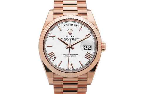 Rolex Day-Date 40 18k Rose Gold on Bracelet - White Dial