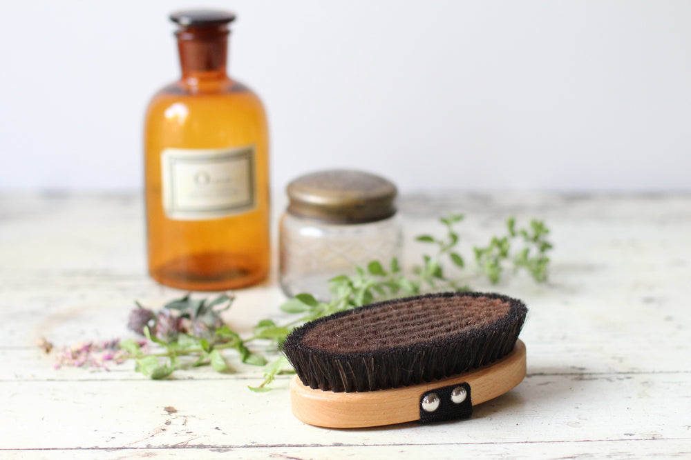 Dry Brushing {your skin's new BFF}