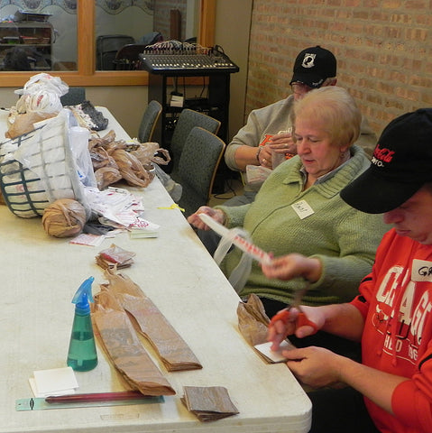 volunteers-new-life-for-old-bags