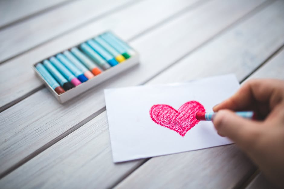 hand-drawing-pink-heart-pastels-love