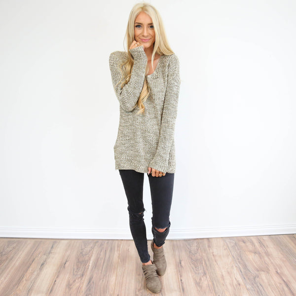 Lumi V-Neck Sweater in Olive