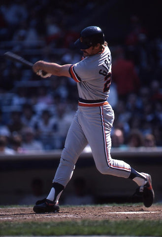 Kirk Gibson drives the ball