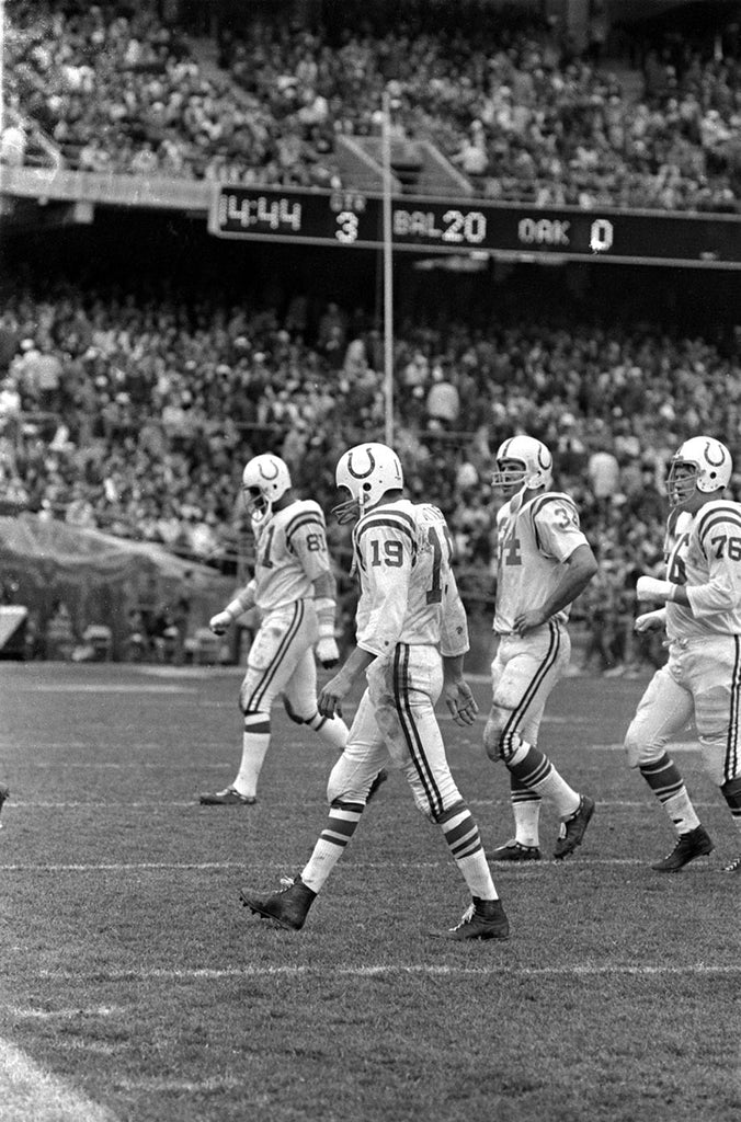 Unitas walks off with the lead
