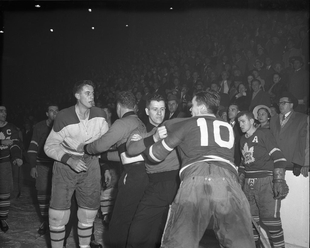 Beliveau and Armstrong Fight
