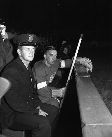 Terrible Ted Lindsay in the sin bin