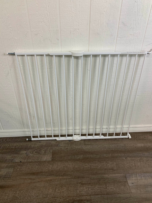 used Munchkin Extending XL Gate
