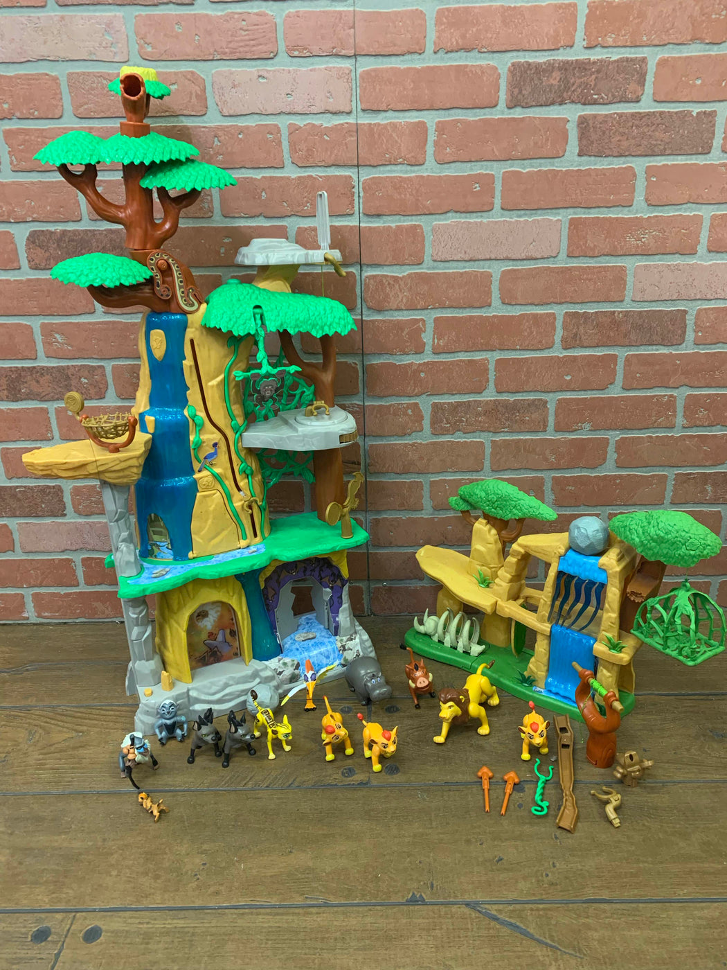 used Disney Lion Guard Defend the Pride Lands Playset