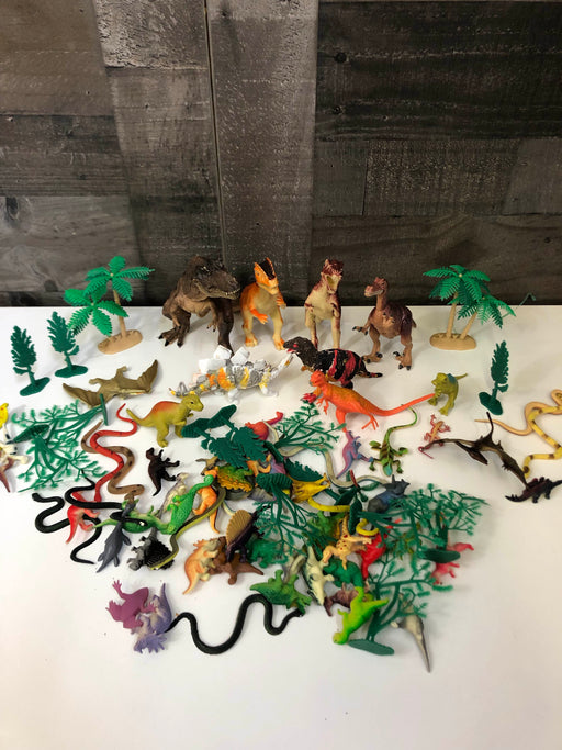 BUNDLE Large Set Of Dinosaurs