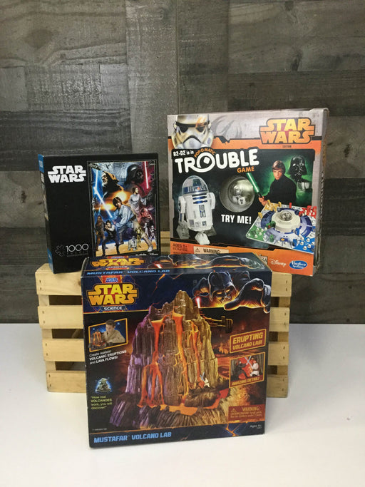 used BUNDLE Board Games And Jigsaw Puzzles - Star Wars