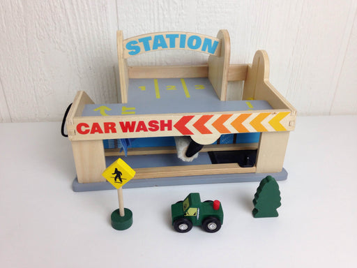 used Melissa & Doug Service Station Parking Garage