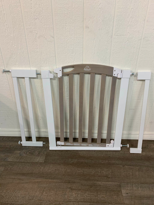 used HomeSafe By Summer Infant Easy Step Walk Through Gate