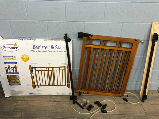 Summer Infant Banister And Stair Wood Gate