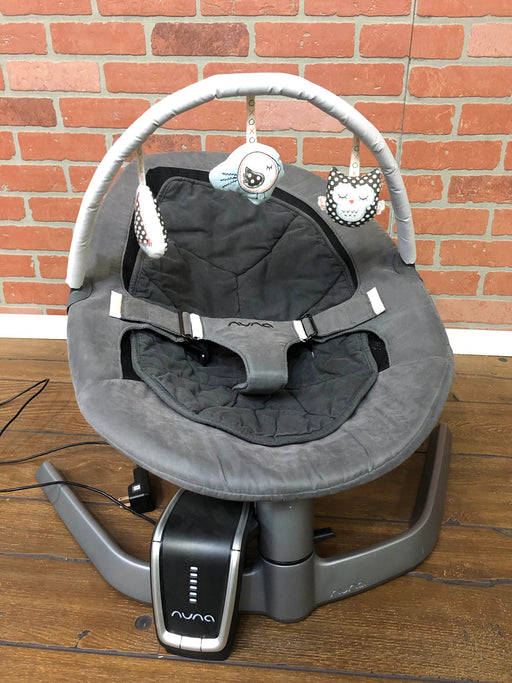 Nuna Leaf Baby Seat With Wind And Toy Bar