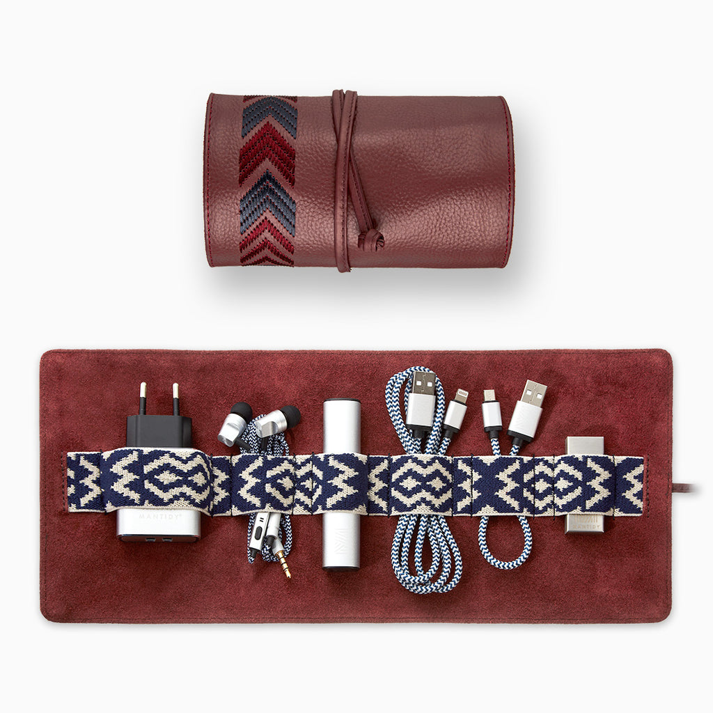 Gaucho TechRoll, Bordeaux Red: Mobile Phone Accessories Kit + Power Bank