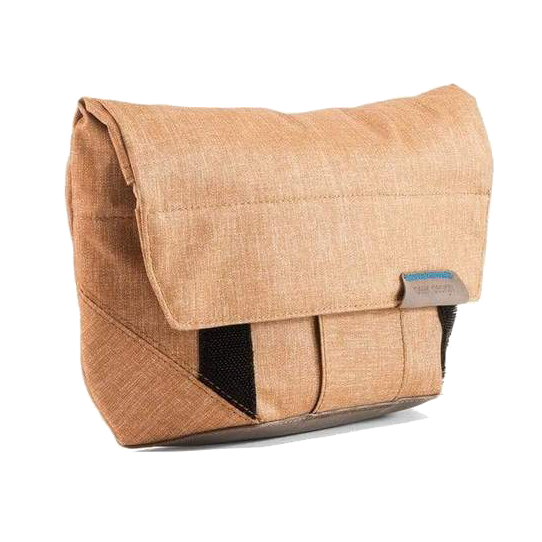 tech-pouch-peak-design-gift-clove-and-twine