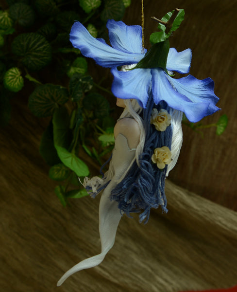 Blue Spring flower with nested in Grey lambs ear-Hanging Ornament-kenfolks