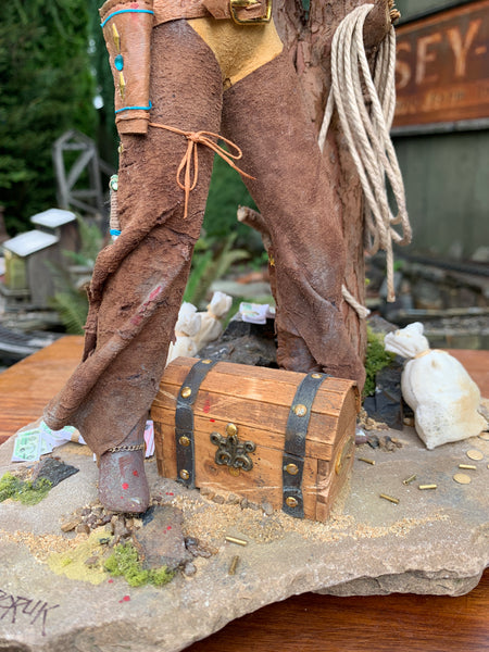 American Old West-Female Outlaw sculpture-artist Ken Fedoruk-Original Art-kenfolks