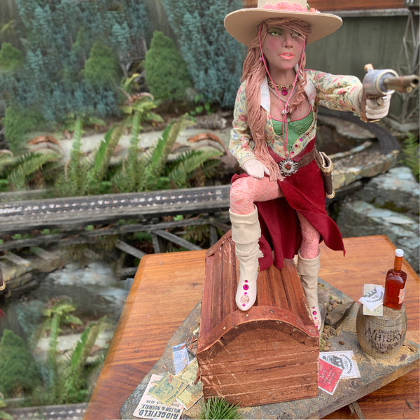 American Old West-History comes to life - Country Decor- Female Outlaw sculpture-Original Art-kenfolks