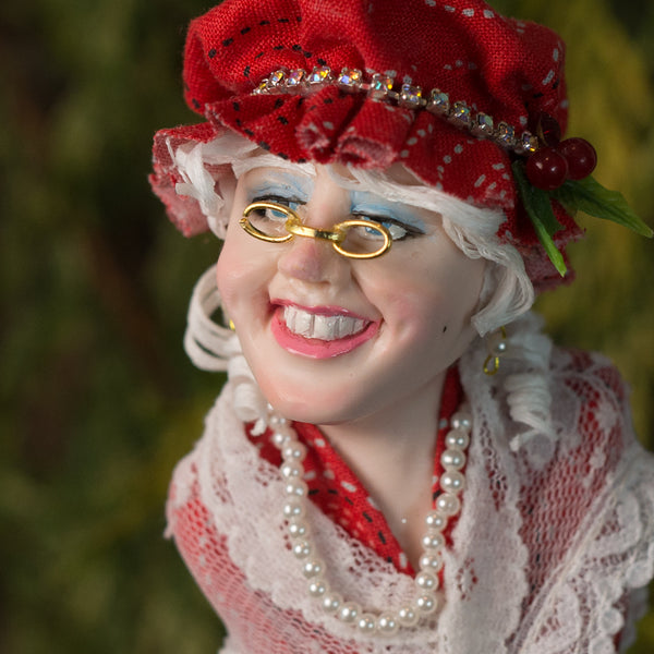 Mrs. Claus With red bonnet-Limited Edition-kenfolks