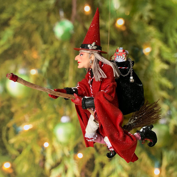 La Bafana Italian Santa Claus - Italian folklore - Christmas around the world - Red and White flying witch with basket full of presents-Limited Edition-kenfolks