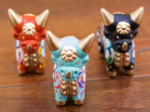 Decorative Pucara bulls