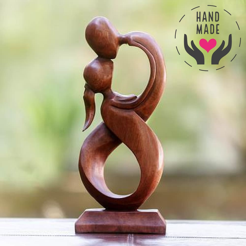 Infinite 8 Kiss Sculptures