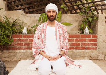 Video: Kundalini Yoga Tune in and Tune out