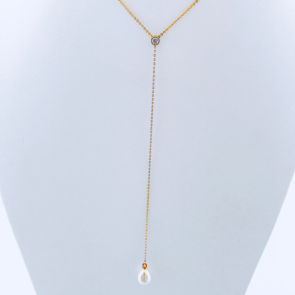 Zirconia & Shell Pearl Necklace