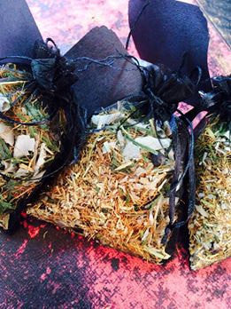 House Blessing Pouch~ Protect your Home from the Ground up~ Home Protection  ~ Cleansing Energy ~ Ancient Magick ~ Healing Magick