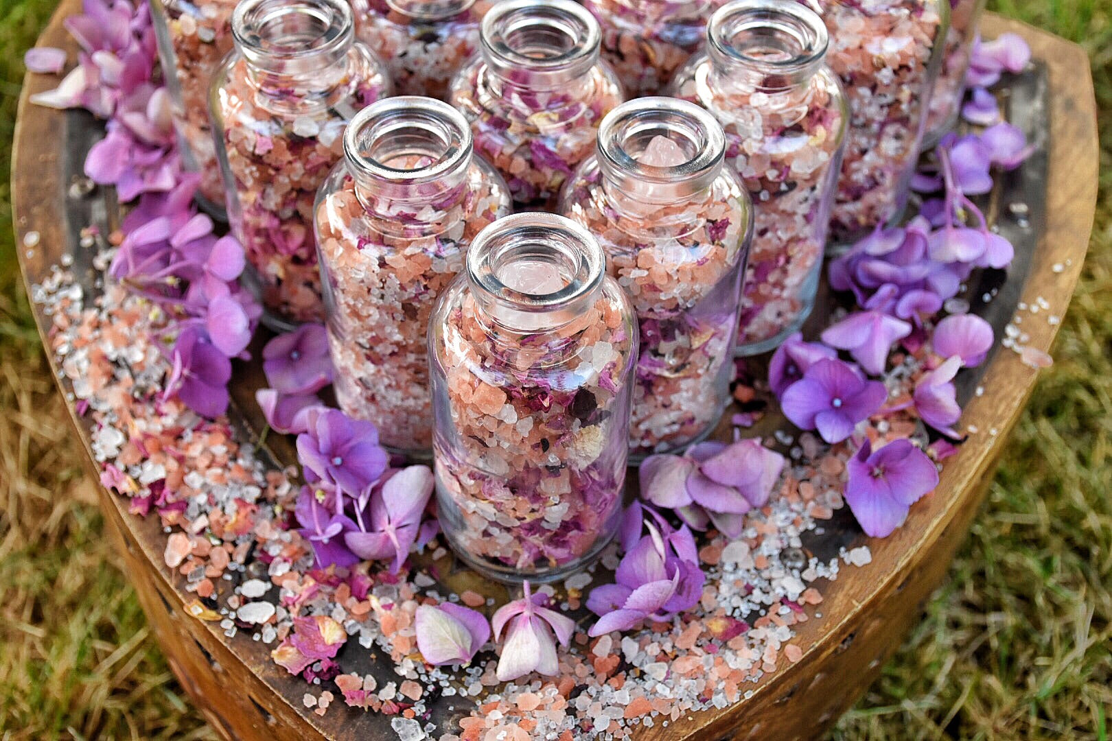 Sacred Feminine Ritual Bath~ Inner Beauty~3.4oz~Venus Magick~Self Love Ritual~ Rose Quartz~ Tuberose & Narcissus Essential Oils~ - Moon Goddess Magick Apothecary