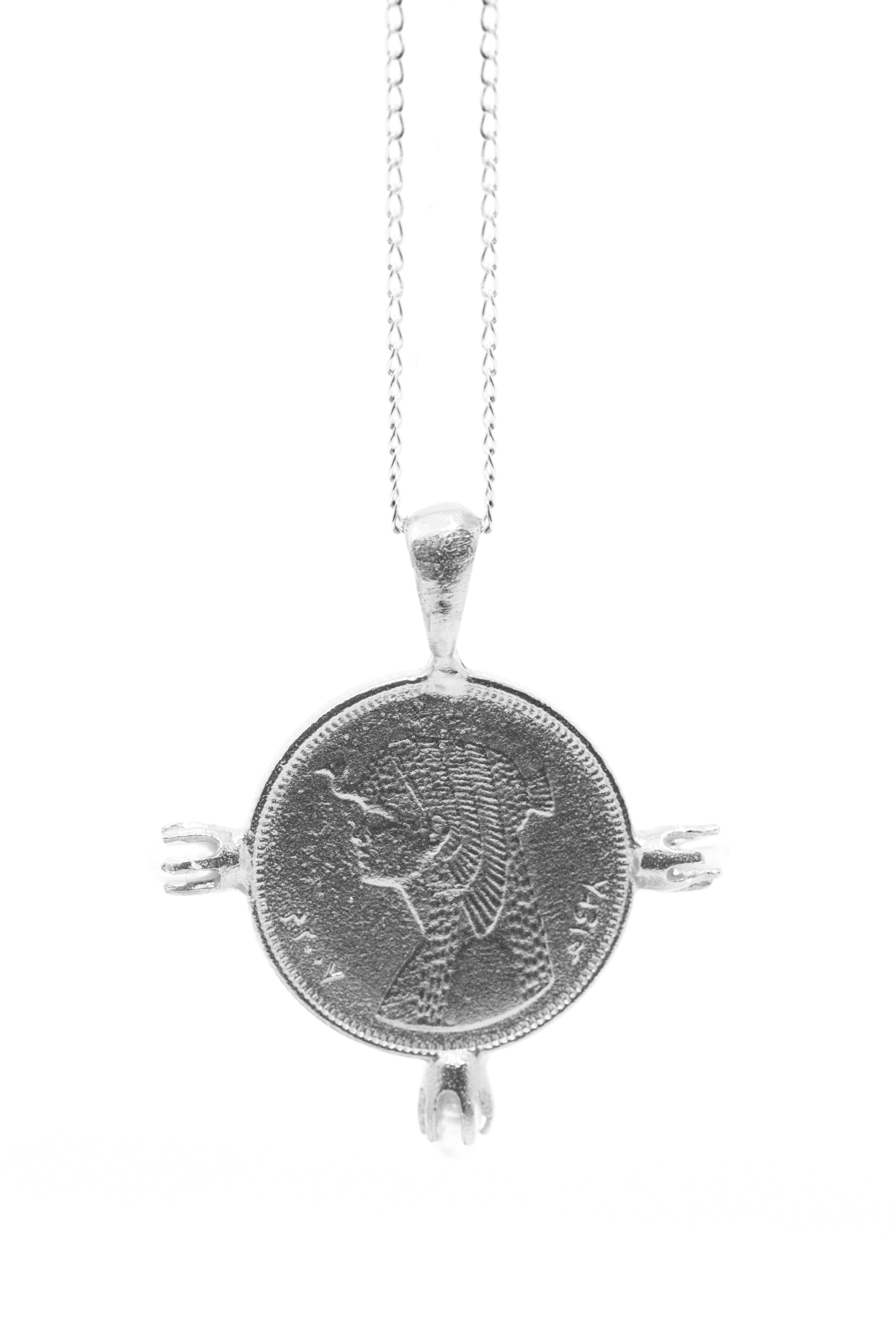 THE CLEOPATRA Coin Necklace with Pearls in Sterling Silver